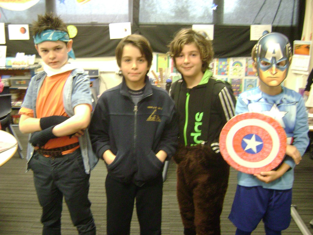 Jinga, Ricardo, Grover and Captain America